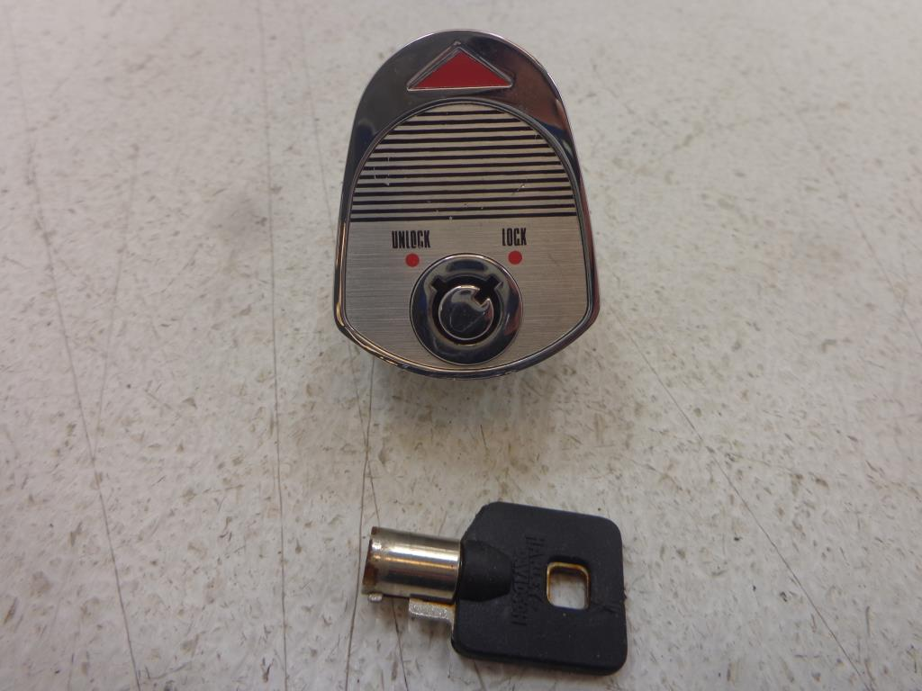 USED 1993-2005 Harley Davidson Touring FLH FLT H/C/U IGNITION SWITCH KNOB W/ OEM KEY