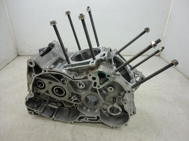 USED 00 Aprilia RSV1000 Mille 1000 ENGINE CASES CRANKCASE
