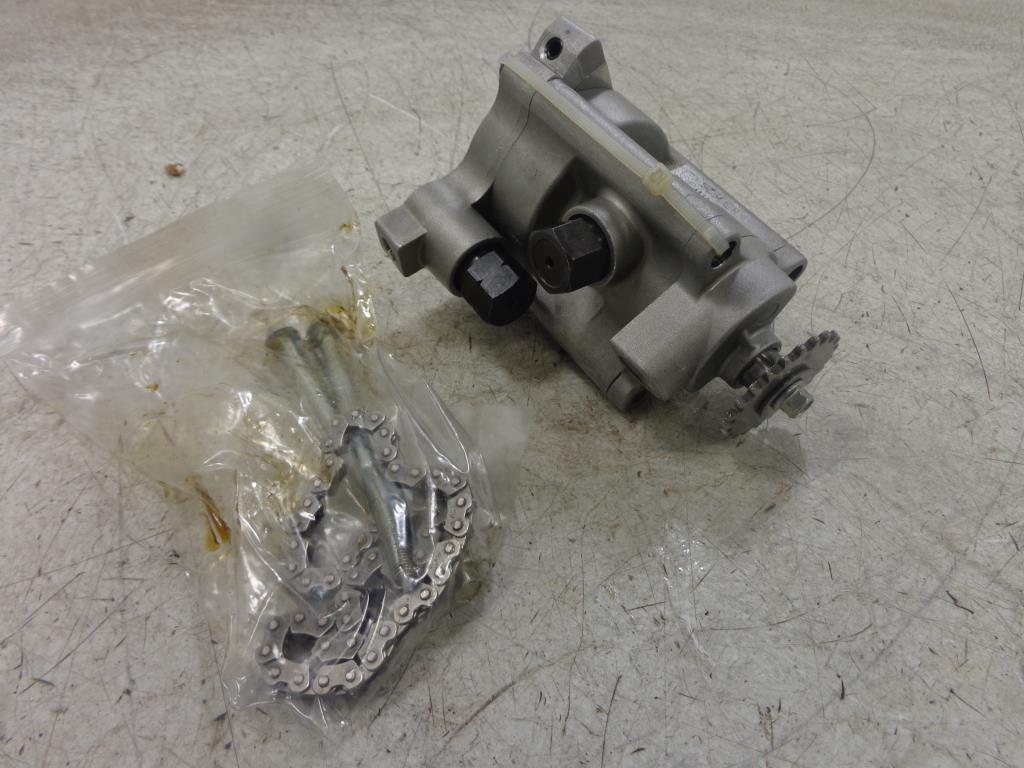 USED 08 Polaris Victory Kingpin OIL PUMP 2520495