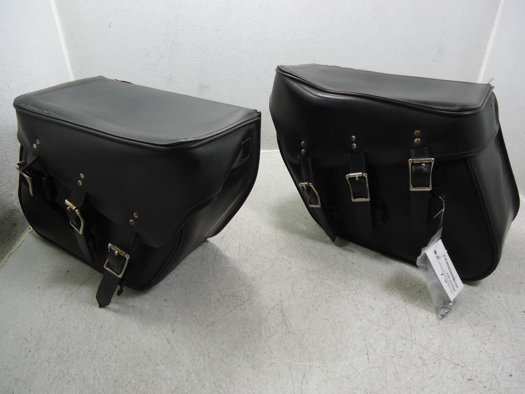 USED Yamaha Honda Harley Davidson Suzuki EVERBILT HARD BACK SADDLEBAG SADDLEBAGS