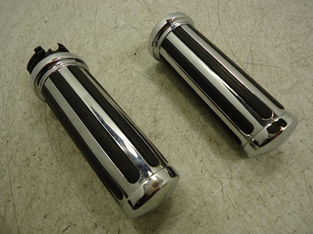 USED Harley Davidson Sportster Touring Dyna Softail RIBBED GRIP SET DUAL THROTTLE
