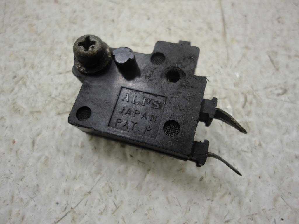USED Honda GL1500 Valkyrie VT750 VT1100 VTX CBR600 FRONT BRAKE LIGHT SWITCH STOP