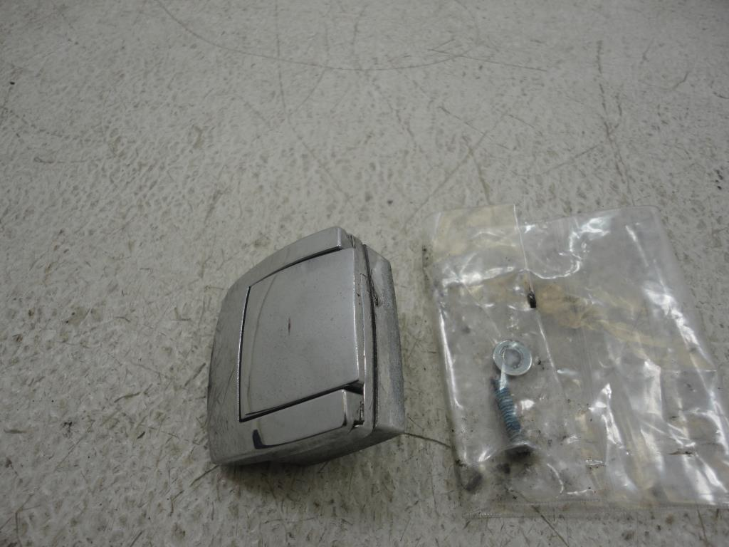 USED Harley Davidson TOUR PAK PACK TRUNK LATCH CATCH (1)