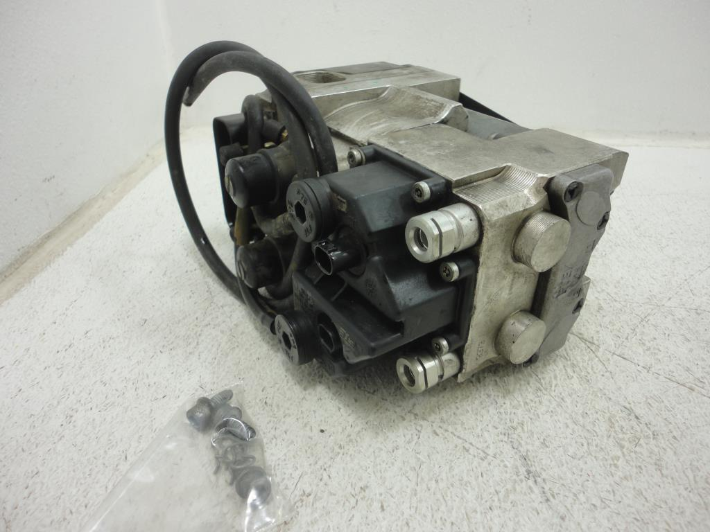 USED 2002 2003 2004 2005 BMW R1200CL ABS BRAKE PRESSURE MODULATOR INTEGRAL PUMP