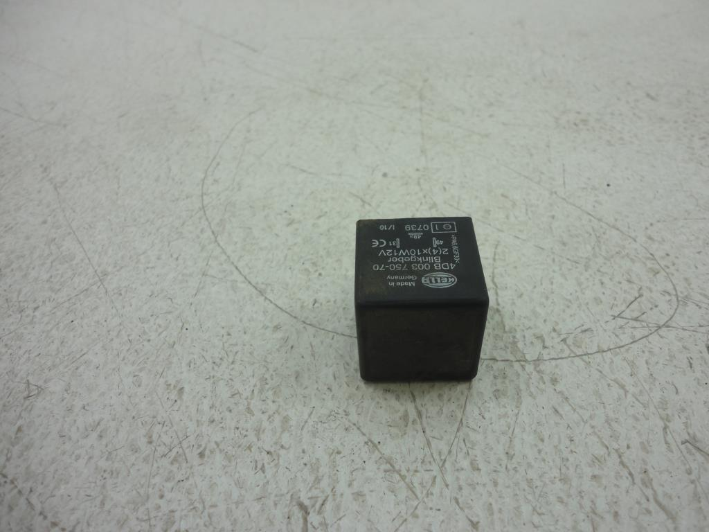 USED Triumph Turn SIGNAL FLASHER TURN SIGNAL RELAY HELLA 4DB 0003750-70