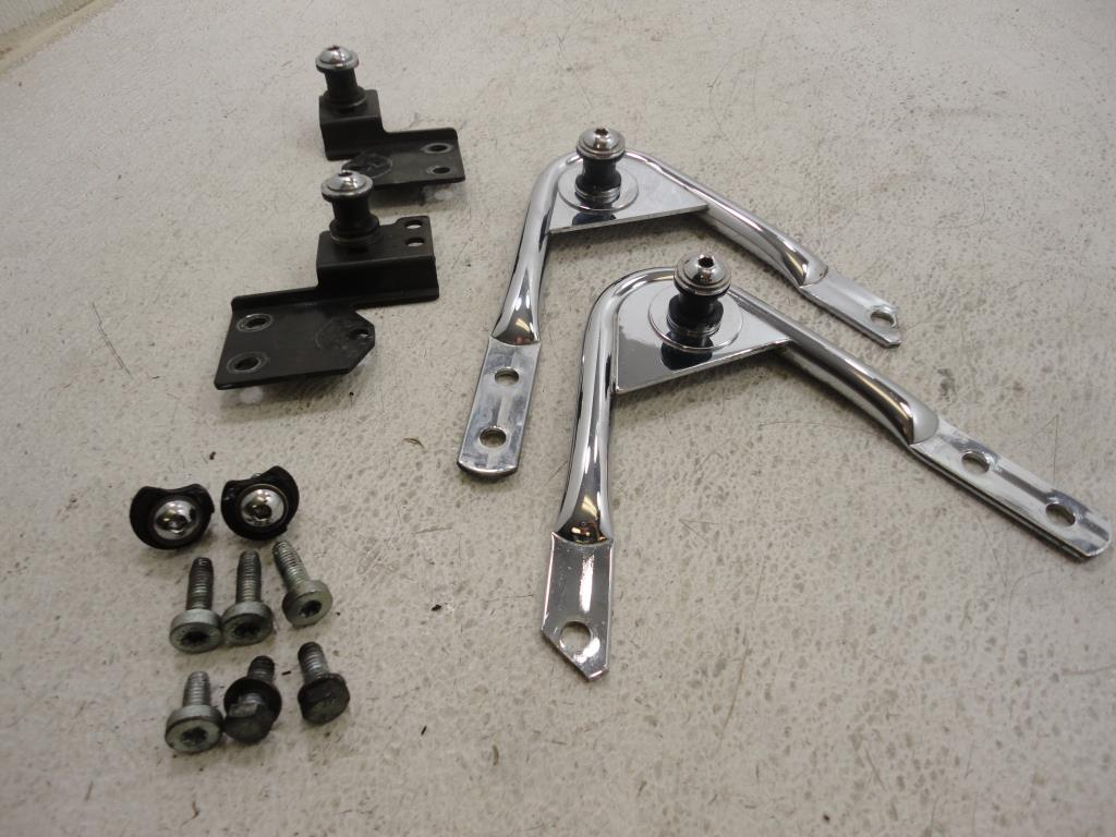 USED 1997-2008 Harley Davidson FLH Touring DETACHABLE DOCKING HARDWARE KIT